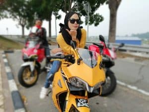 yellow lady rider demon gpx 150gr