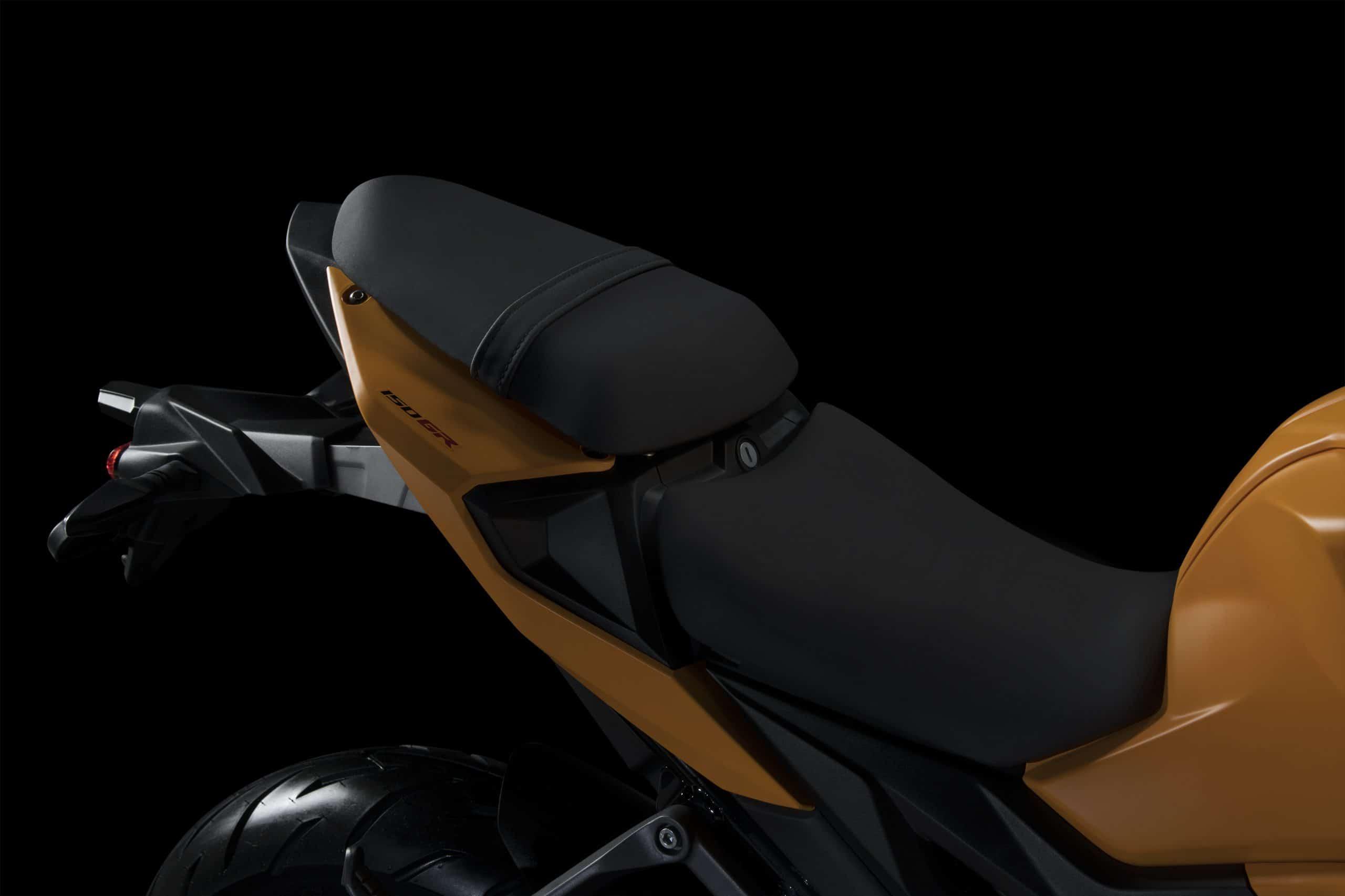 GPX 150 GR rear seat scaled