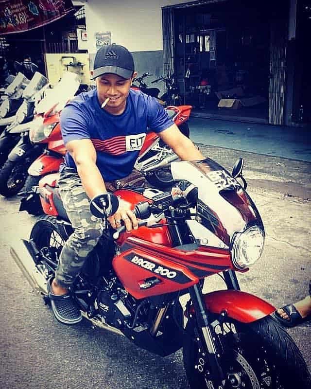 rider on gentleman racer 200